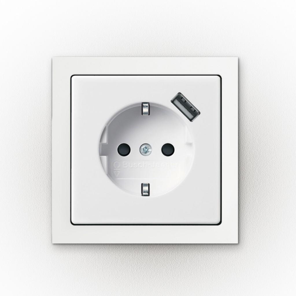 Steckdose mit USB von  Busch-Jaeger Elektro GmbH bekam Universal Design Award 2013