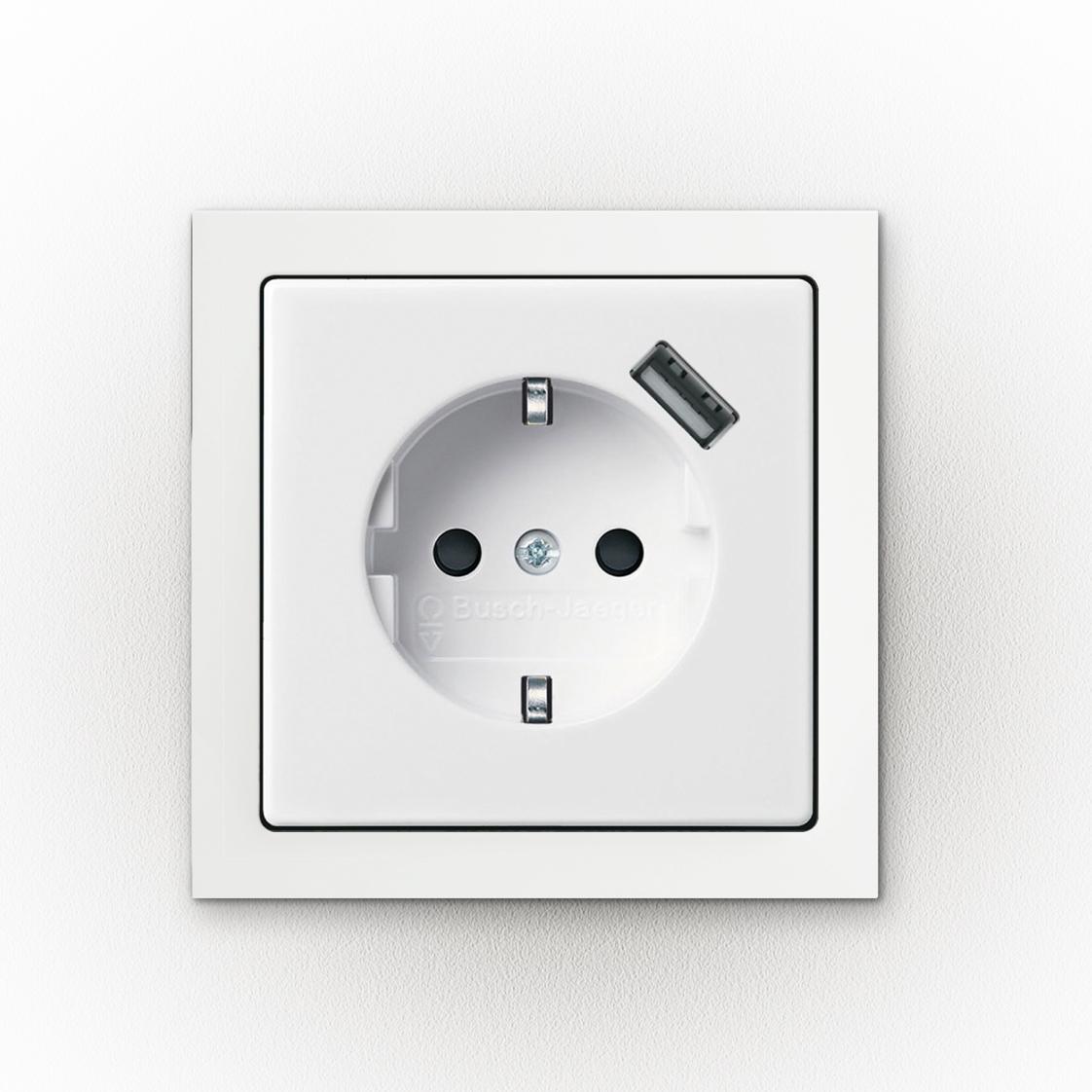 Die Steckdose mit USB von  Busch-Jaeger Elektro GmbH bekam Universal Design Award 2013.