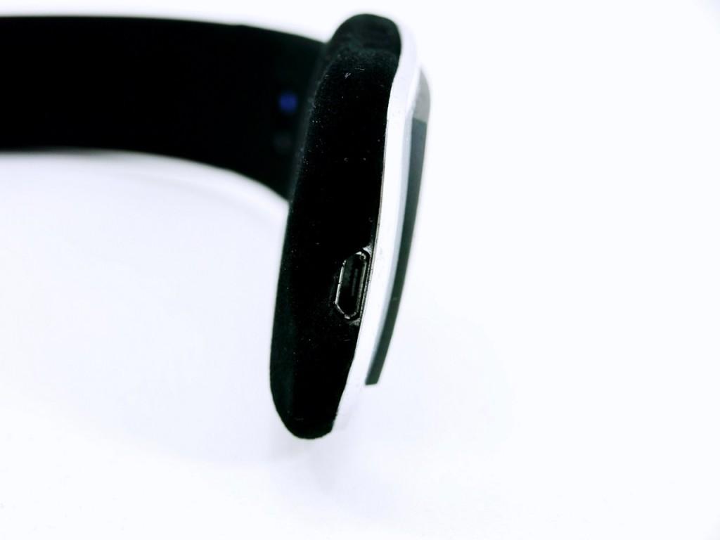 Der Micro-USB-Anschluß des Jabra Halo2 Bluetooth-Headset