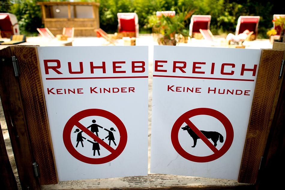 """Café """"Sonnendeck"""" ohne Hunde und Kinder"""
