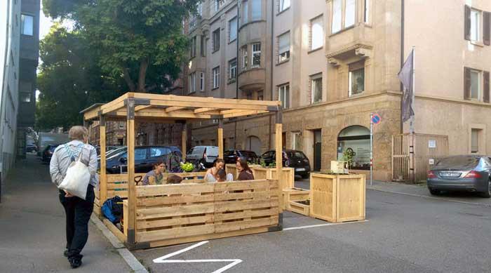 Stuttgart bewohnt Parkplätze