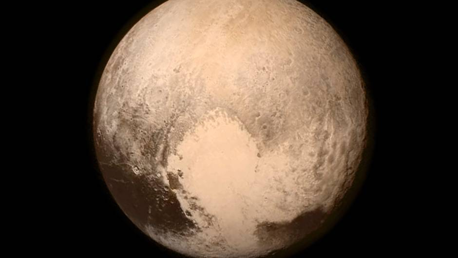 Pluto nur noch ein Komet?